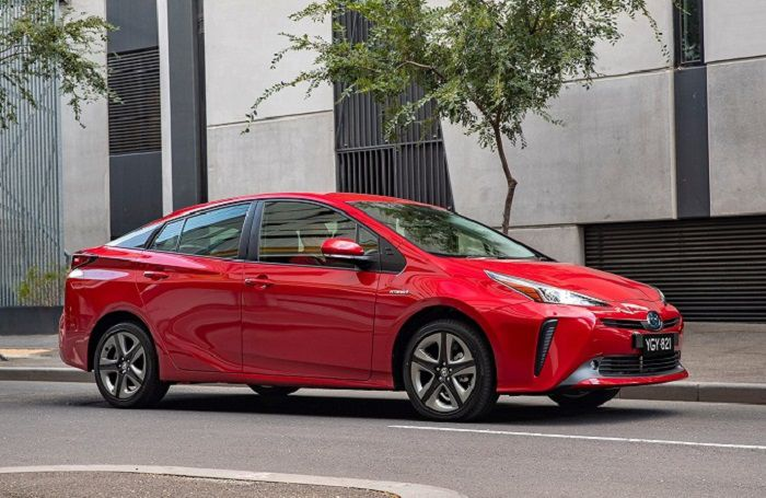 2019 Toyota Prius: The Prius 4x4 to Rule Winter Roads