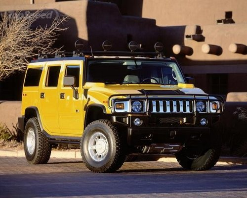 compare cadillac escalade and hummer h2 which is better. Black Bedroom Furniture Sets. Home Design Ideas