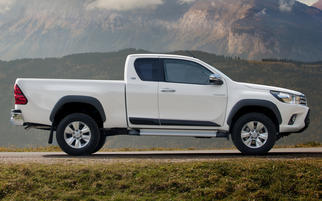 Hilux Extra Cab VIII (facelift) 2017-2020